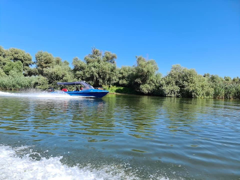 """Conferința de lansare a Proiectului """"Îmbunătăţirea condiţiilor hidrologice în habitatele naturale acvatice din Rezervaţia Biosferei Delta Dunării pentru conservarea biodiversităţiişi a resurselor halieutice – Complexele lacustre Gorgova-Uzlina, Roşu-Puiu"""""""