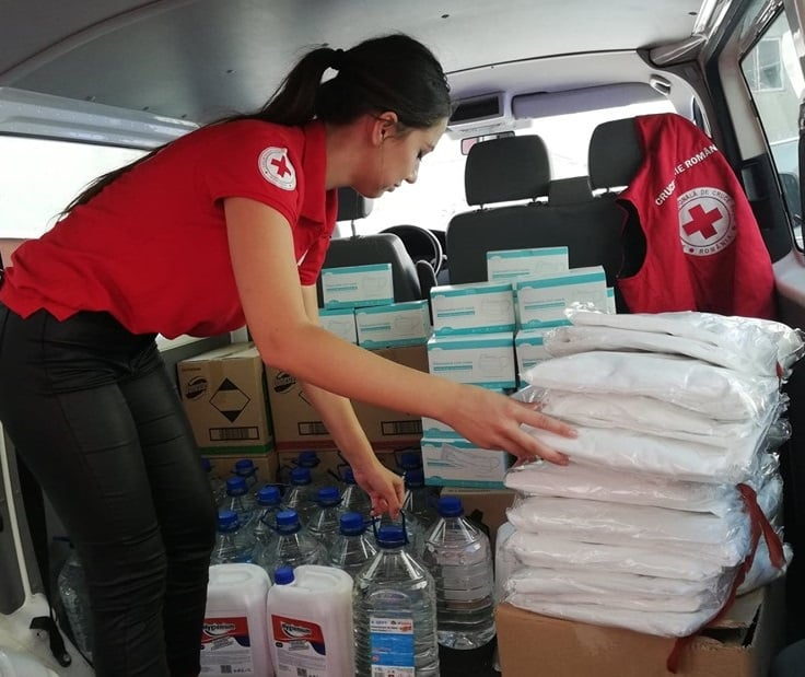 Crucea Roșie – Filiala Tulcea sprijină Centrele de vaccinare din județ