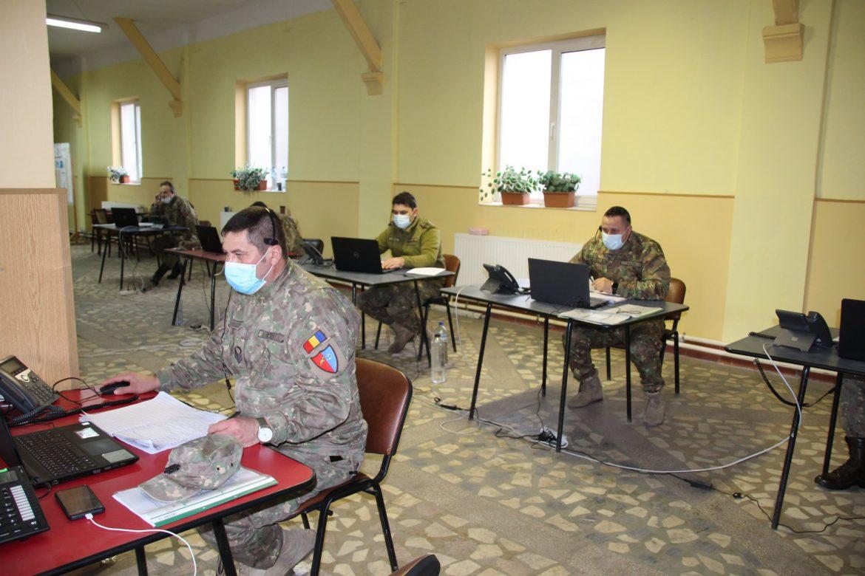 Militarii Flotilei Fluviale asigură suport la call-center-ul Covid
