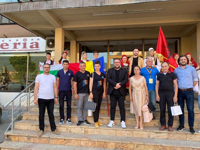 """Ansamblul """"Danubius"""" s-a întors cu premii din Macedonia"""