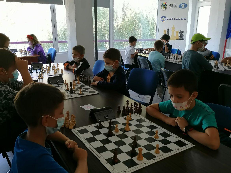 """Competiție de șah rapid """"Festivalul Șahului Tulcean """""""