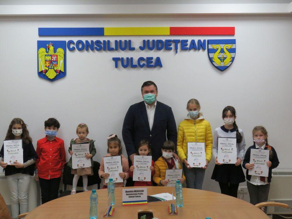 Cei mai talentați mici cultivatori tulceni, premiați de Consiliul Județean Tulcea